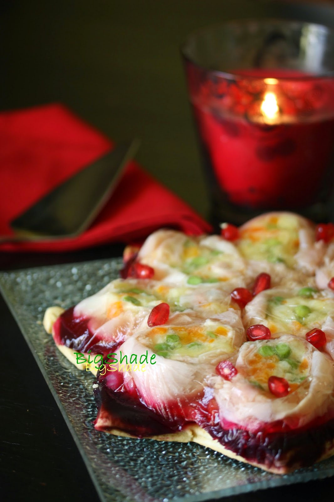 torta salata con involtini di prosciutto e barbabietola