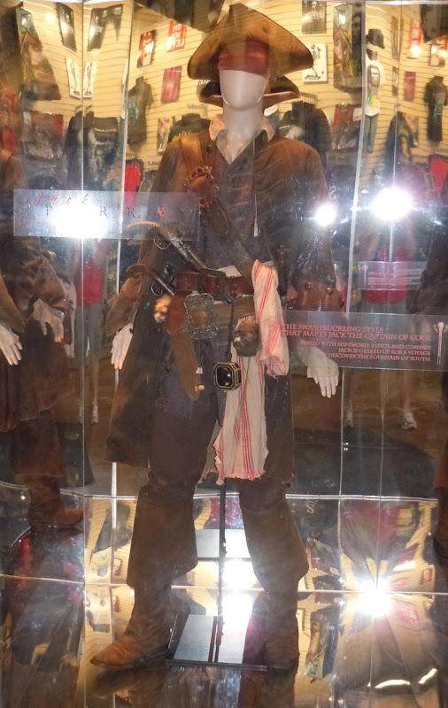 jack sparrow costume. Actual Captain Jack Sparrow