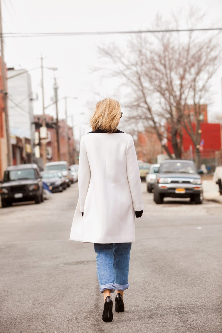 Red Hook Brooklyn, springtime, photo by Ian Rusiana, long white J.Crew coat, cuffed denim boyfriend jeans, Guess pumps, photo by Ian Rusiana