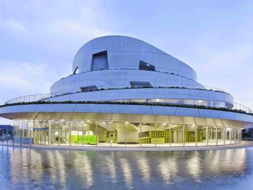 Trung tâm Văn hóa Akiha Ward, tại Niigata, Nhật Bản - Viện kiến trúc đô thị Chiaki Arai thiết kế (lọt vào danh sách các công trình Văn hóa).