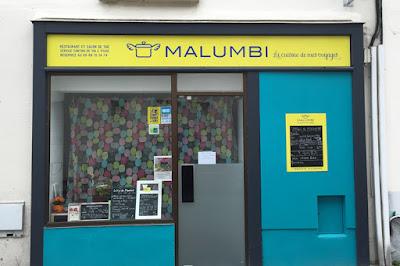 Aménagement vitrine Malumbi à Nantes, panneau dibond recouvert adhésif traité anti-UV, quartier République Mangin Beaulieu.