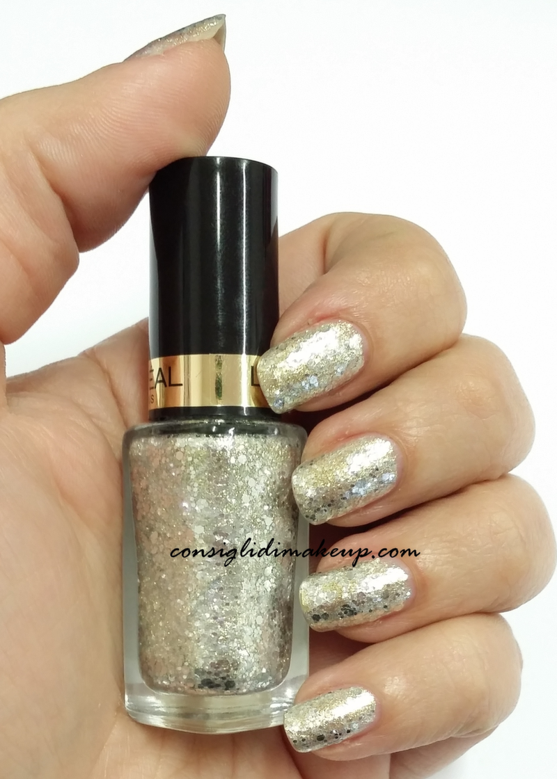nails of the day glitter