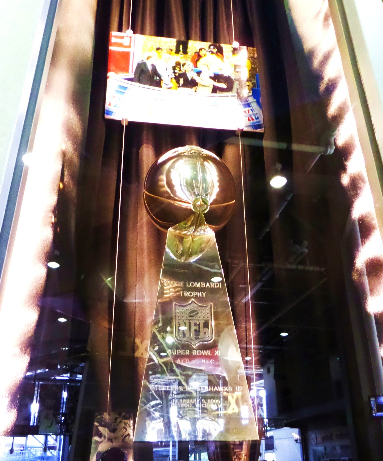 Super Bowl XL Lombardi Case