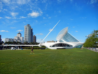 The Milwaukee Art Museum in downtown Milwaukee, Wisconsin