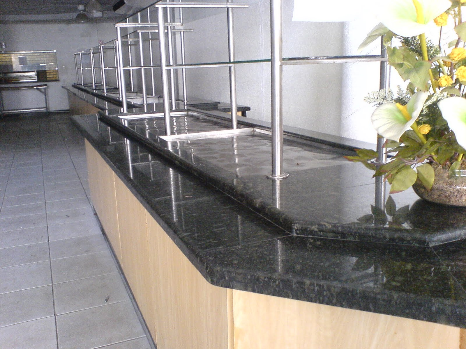 Ângulo Mármores e Granitos: Balcões/Outros #8D713E 1600x1200 Balcao Banheiro Fabrica