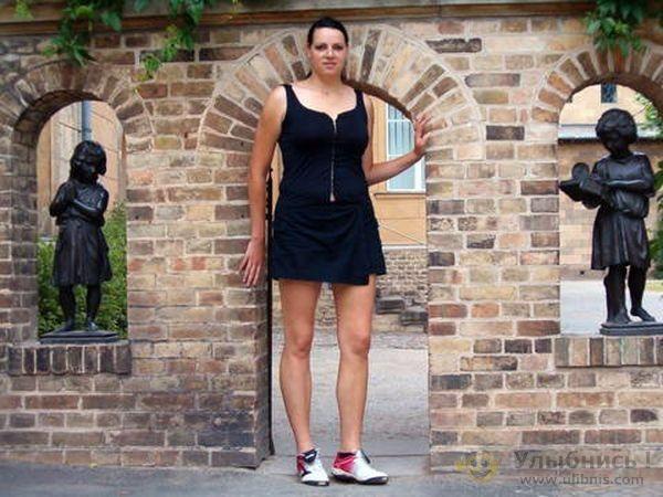 Caroline welz tallest model germany 6 feet 9 inches tallest girl in