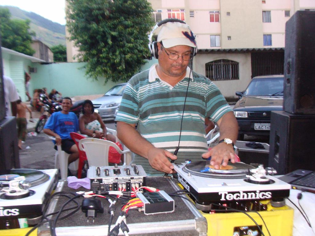 1º Encontro de DJs do Vinil