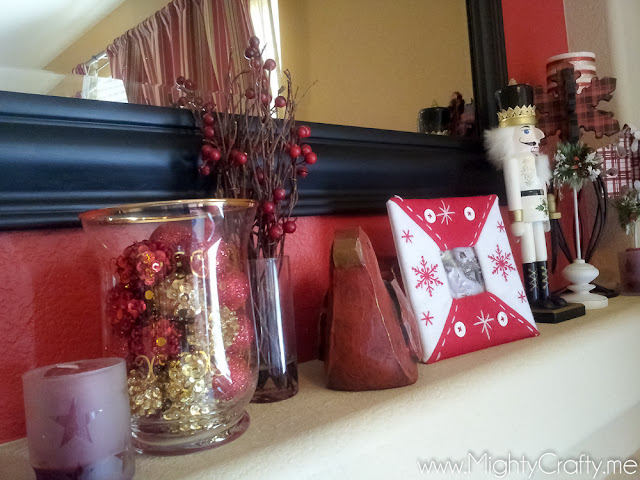 Christmas Mantel - www.MightyCrafty.me