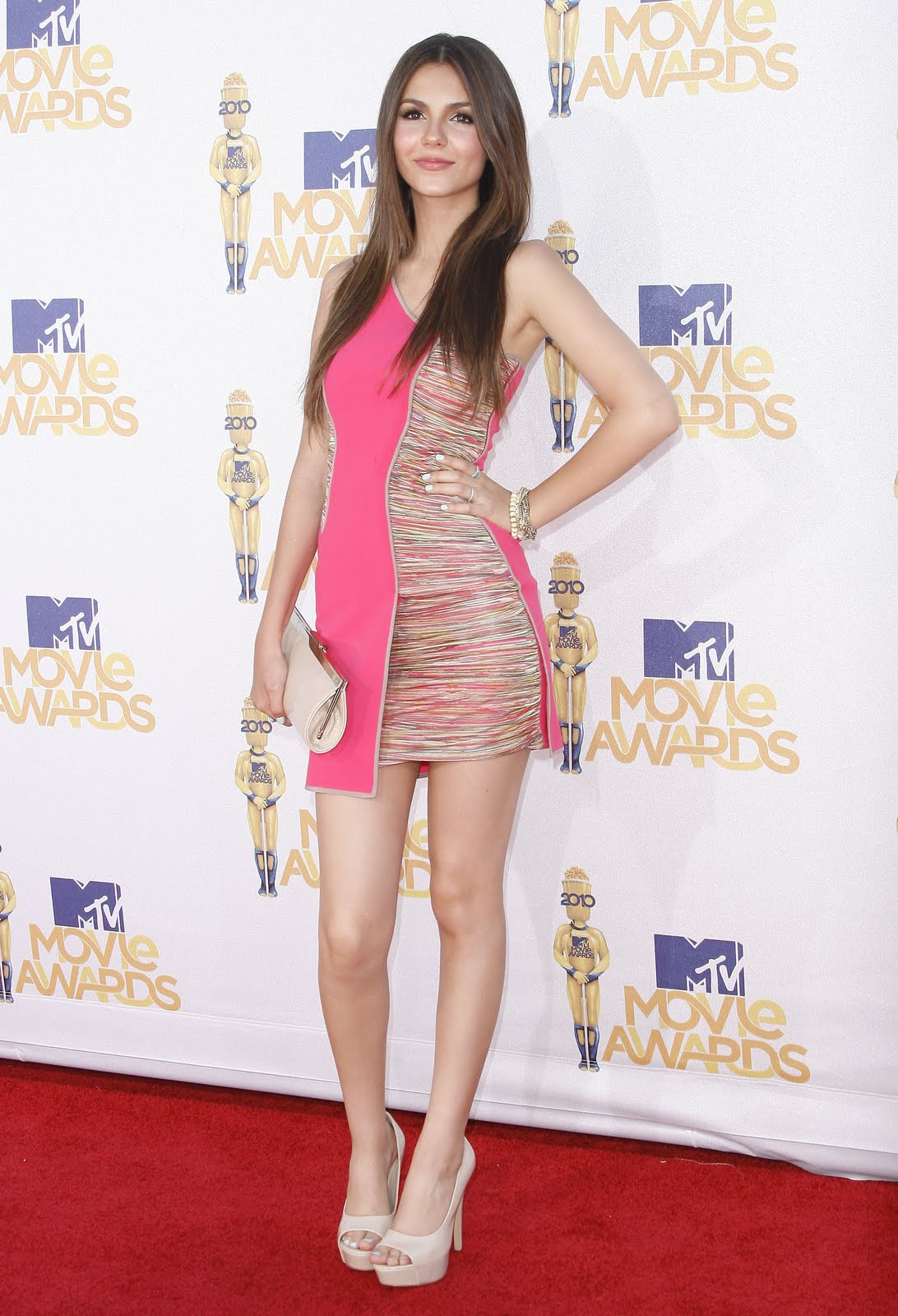 Red Carpet Dresses: Victoria Justice - MTV Movie Awards 2010