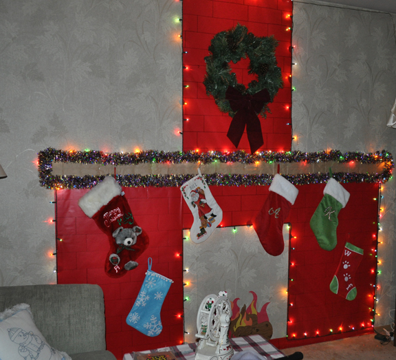 Enjoy the Ride Today! The Chimney ~ 201926_Christmas Decoration Ideas With Construction Paper