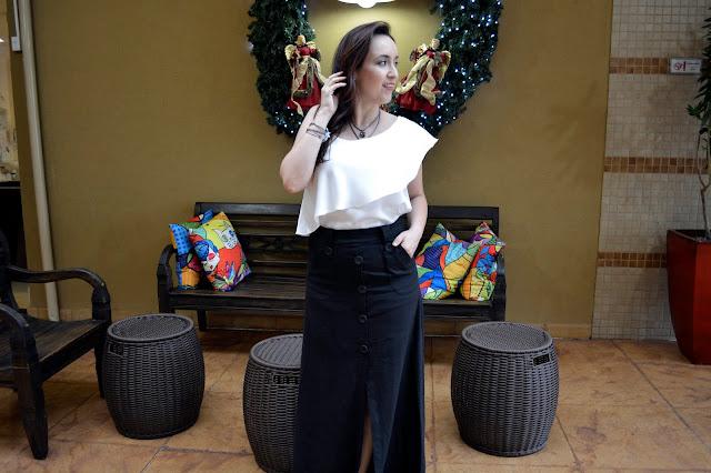 look final de ano, look preto e branco, saia longa, blusa com babados, blog camila andrade, acessórios grafite, morana acessórios, acessórios morana, morana ribeirão preto, blog camila andrade, camila andrade, blogueira de moda em ribeirão preto, fashion blogger