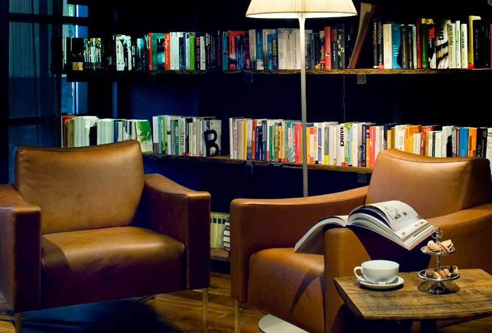 Bibliothek, Buch des Monats