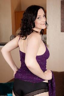性感的成人图片 - sexygirl-emi030NAT_280593015-750340.jpg