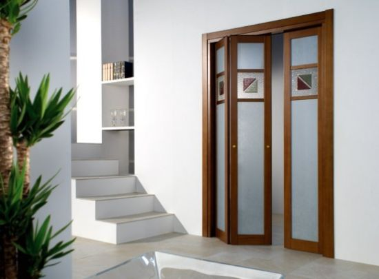 Puertas plegables portones puertas de madera for Puertas para patio interior