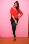 Madhu shalini latest glam pics-thumbnail-1