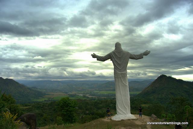 Statue of the Risen Christ, tarlac