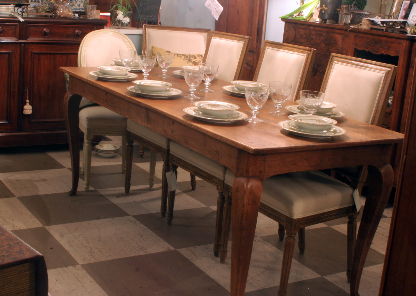 Great 318 French Country Extension Farmhouse Table With Leaves In Antique Finish