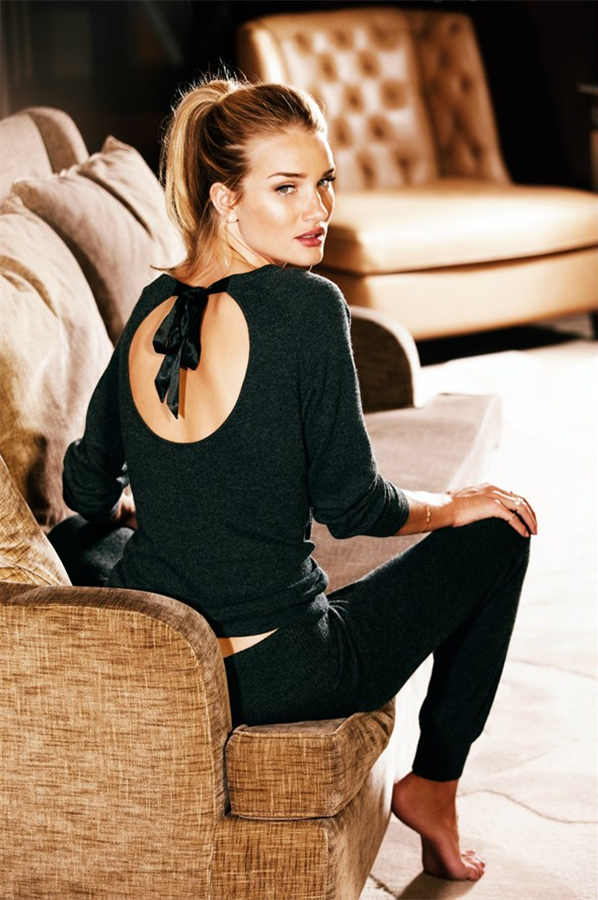 Fashion Lookbook | Rosie Huntington-Whiteley