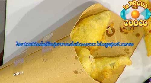 Cono di verdure in pastella con salsa allo yogurt greco for Cucinare yogurt greco