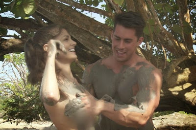 """Διαγωνιζόμενη στο τηλεπαιχνίδι """"Dating Naked"""" μηνύει το κανάλι γιατί δεν έβαλε """"θολούρα"""" στα γεννητικά της όργανα"""