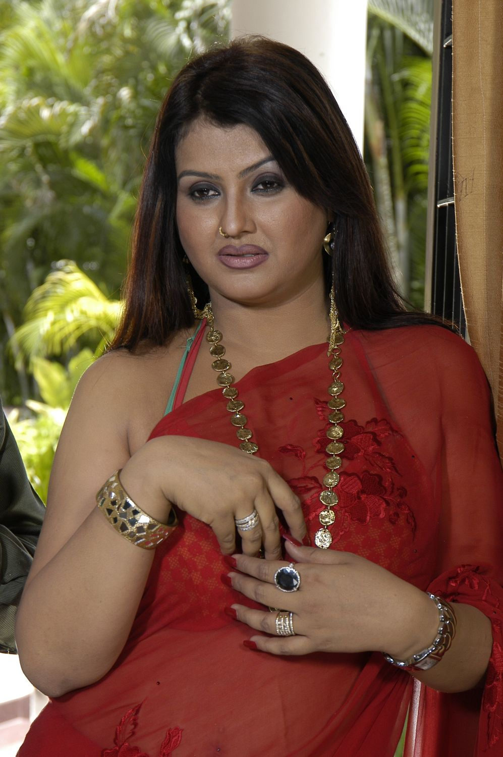 Kushboo fakes and nude picture naked
