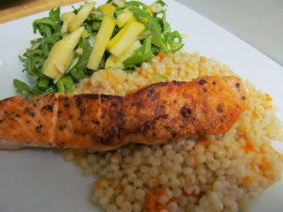 Pan fried salmon with apple-arugula salad