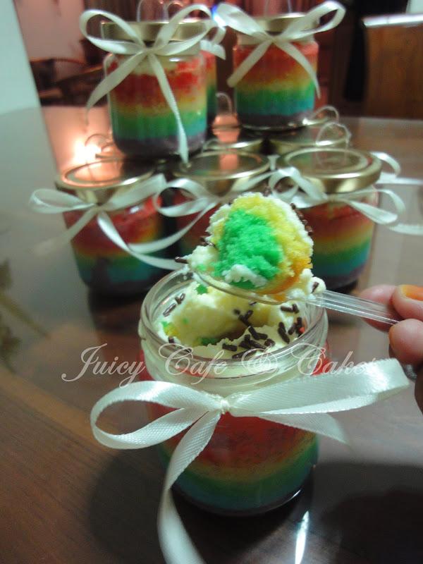 Juicy Cafe Rainbow Cake In Jar