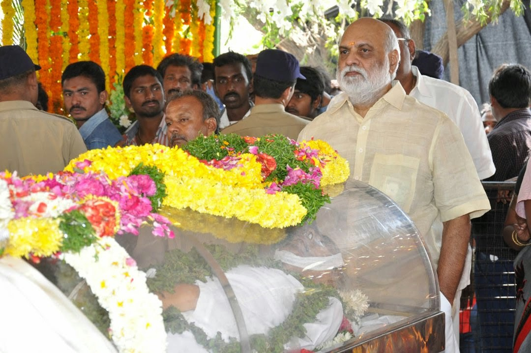 Celebs Pay Homage to Rama Naidu-HQ-Photo-13
