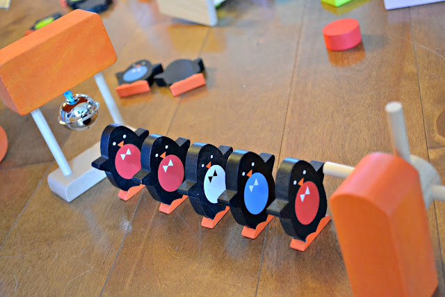 Janod Kubix Penguin, Janod Penguin Dominoes, Janod Penguin Dominoes Review, wooden dominoes, The best dominoes for kids