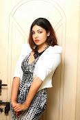 Komal Jha Glamorous Portfolio Stills-thumbnail-12