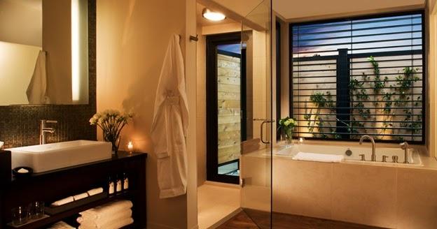 Boiserie c trasformare il bagno in una spa in 8 mosse - Trasformare ripostiglio in bagno ...