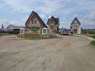 Montclair Highlands Davao Actual Gate