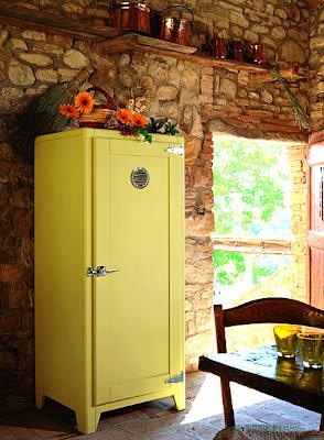 Muebles pr cticos por la decoradora experta neveras peque as - Neveras pequenas oficina ...