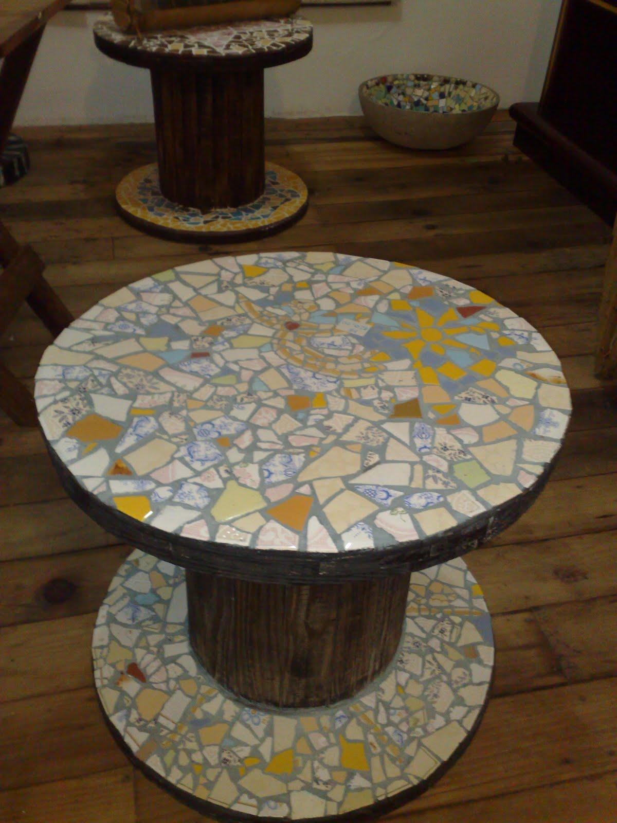 Verde e arte mesa mosaico carretel for Mesas de mosaico
