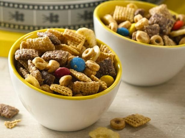 minion chex party mix
