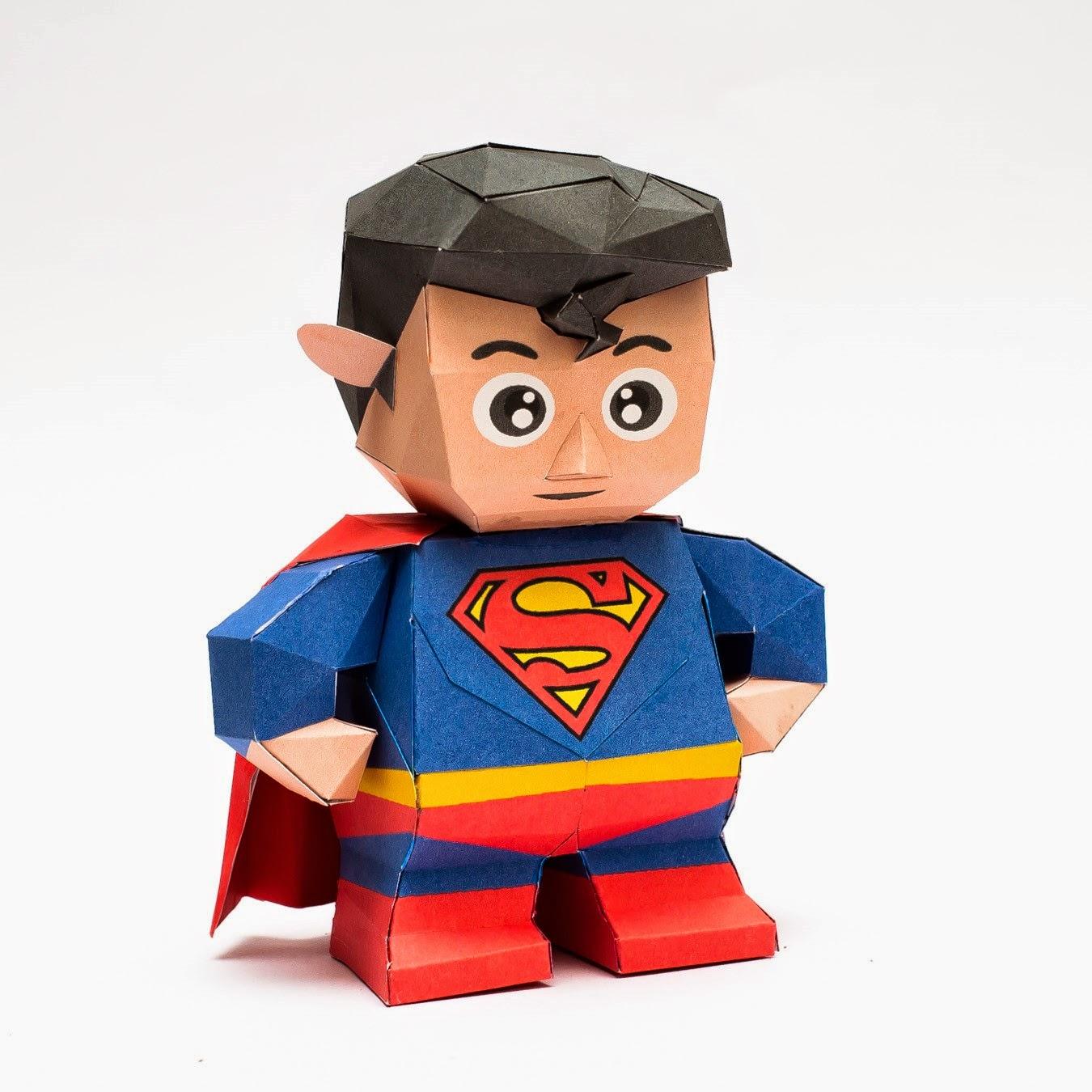 Chibi Superman Papercraft Model