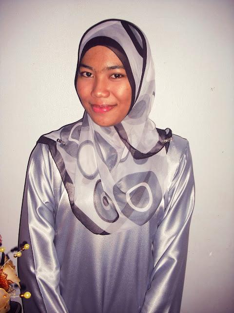 Malaysian Baju Kurung 172 by Aisa