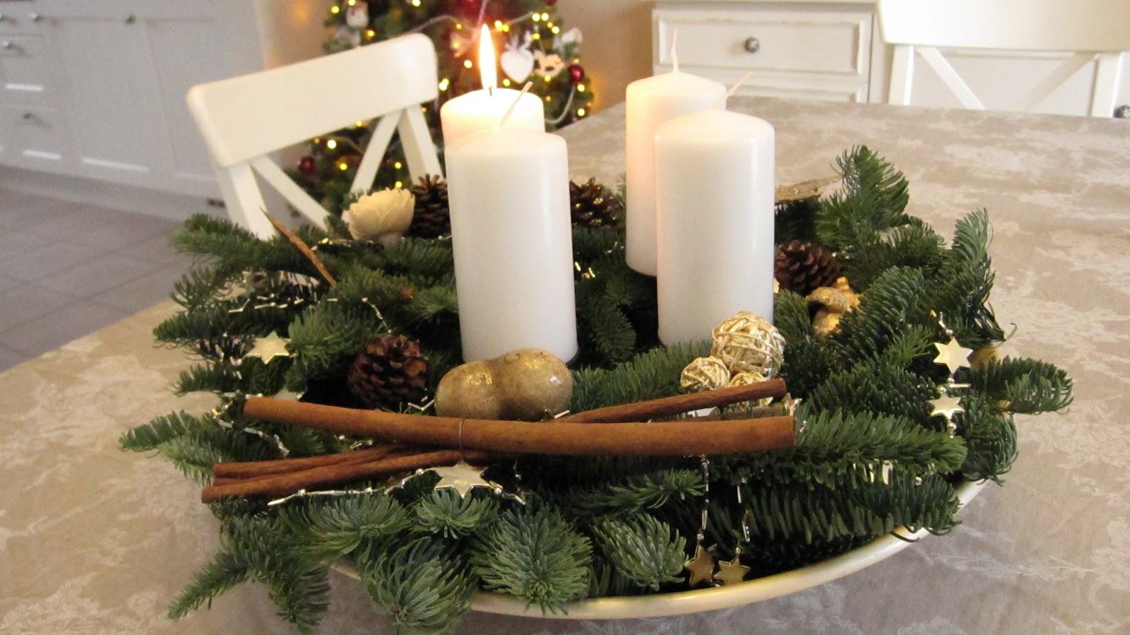 Kleines gelbes haus advent advent - Adventskranz landhausstil ...