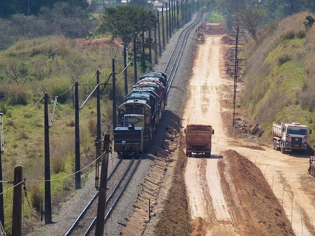 Gambar Kereta Api Lokomotif Diesel 21