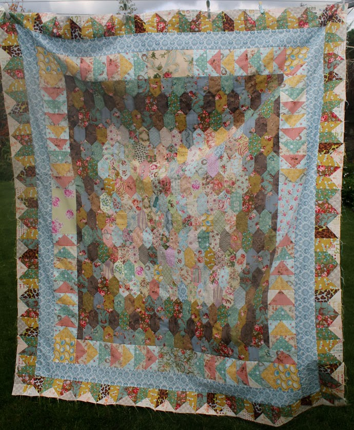 On the Windy Side: Thursday Inspiration: Alison from Little Island ... : little island quilting - Adamdwight.com