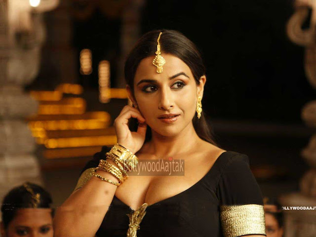 Vidya Balan's ! The_Dirty_Picture Movie Sexy Looks | Kiss |