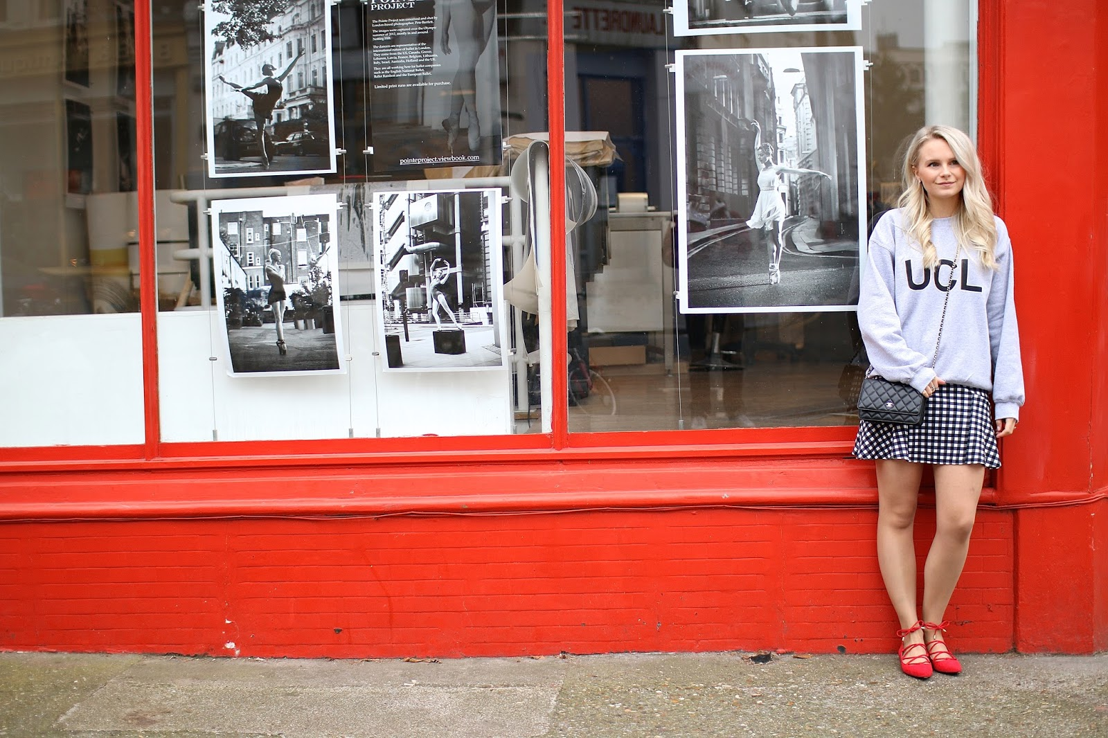 red wall and red shoes in london, matchy matchy outfit
