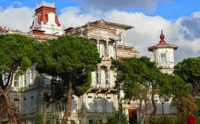 İstanbul'un Sıra dışı Binaları / Ragıp Paşa Köşkü