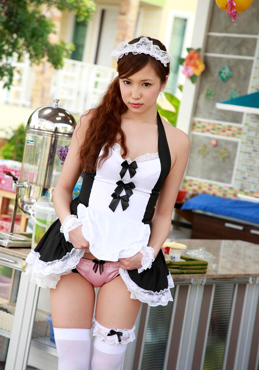 manami marutaka in sexy maid cosplay 03