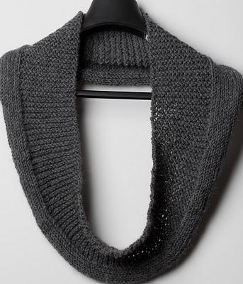 Full post: Free Knitting Pattern Simplicity Eternity Scarf/Cowl