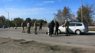 На Херсонщине серьезное столкновение местных жителей с террористами - блокираторами Крыма
