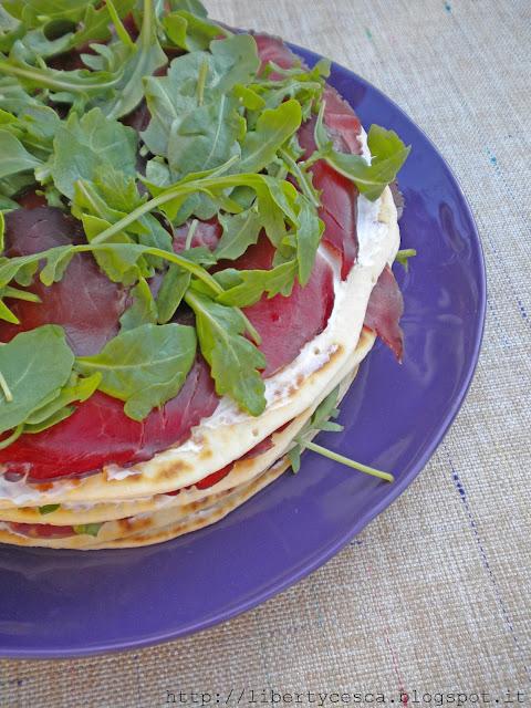 torta di piadine, philadelphia, rucola e bresaola