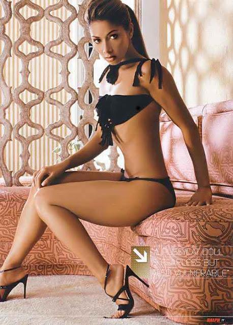 Nicole Scherzinger sexy in lingerie