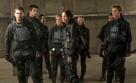 kostum tokoh film the hunger games: mockingjay part 2 - 11