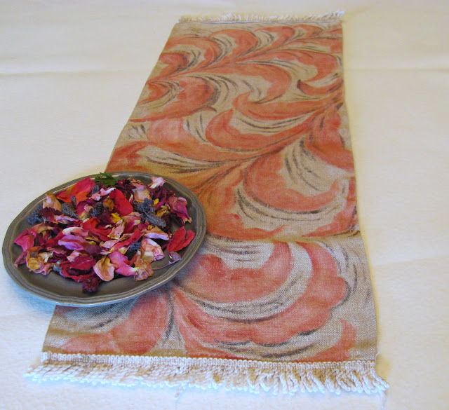 Vintage handpainted linen table runner - anahon